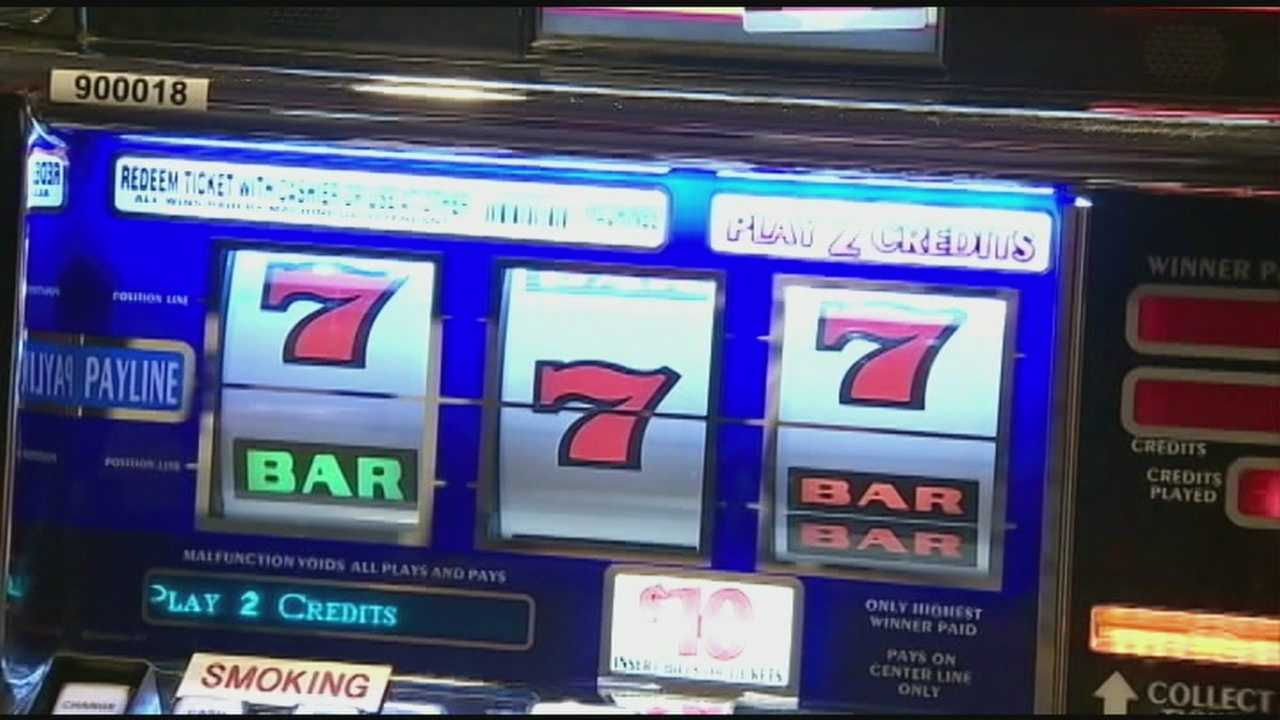 Casino bill passes through committee