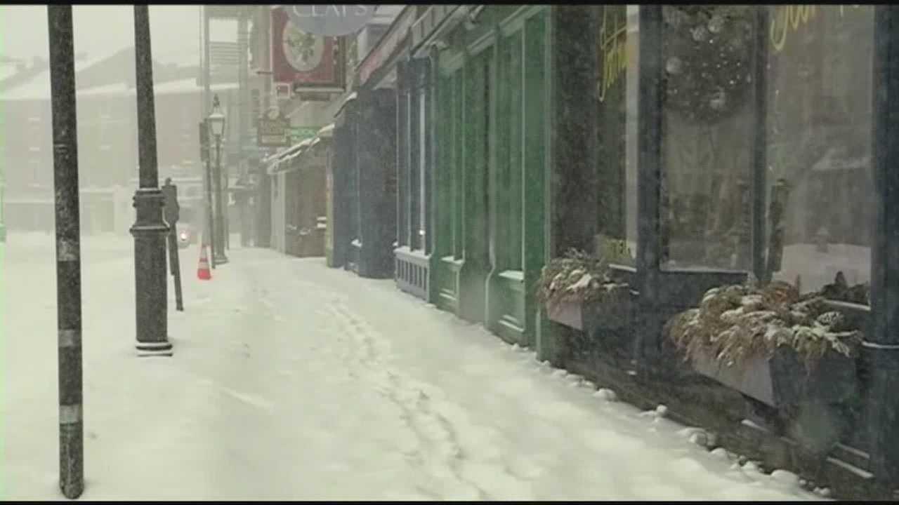 Seacoast deals with heavy snow