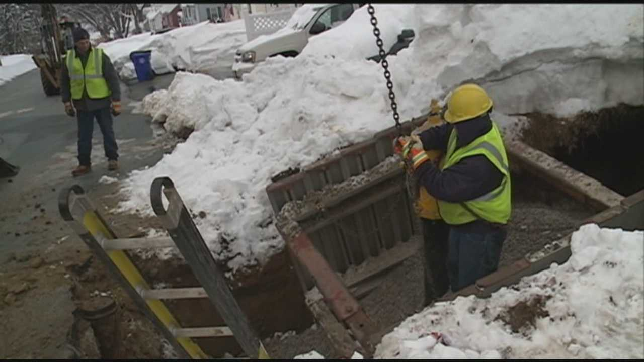 Snow causes major problems in NH