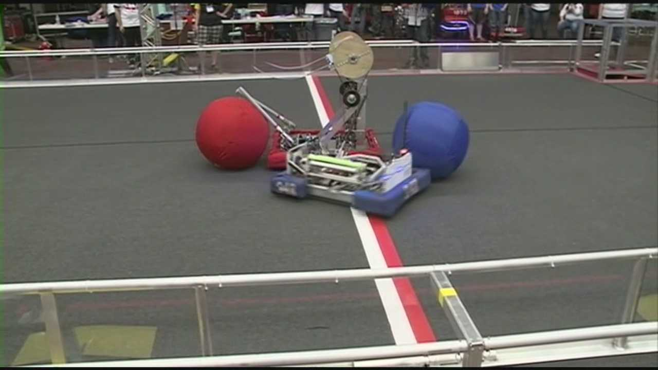 Robots clash at FIRST competition