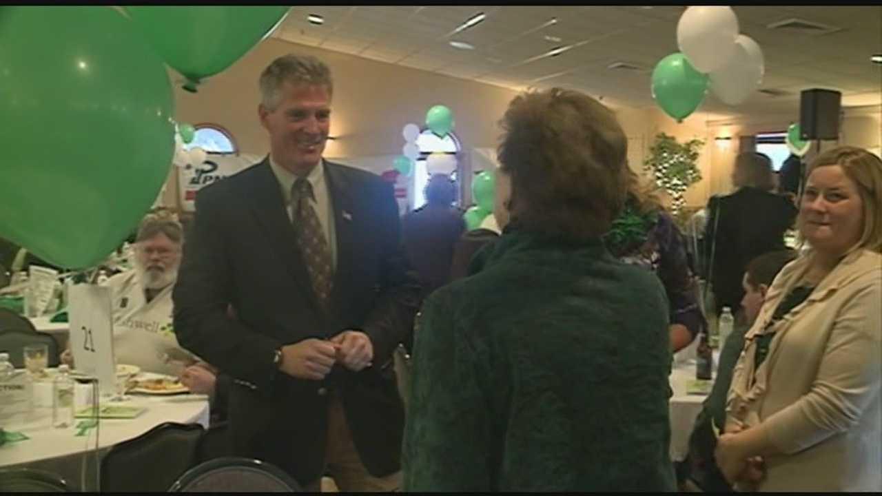 Scott Brown, Sen. Shaheen meet at fundraiser
