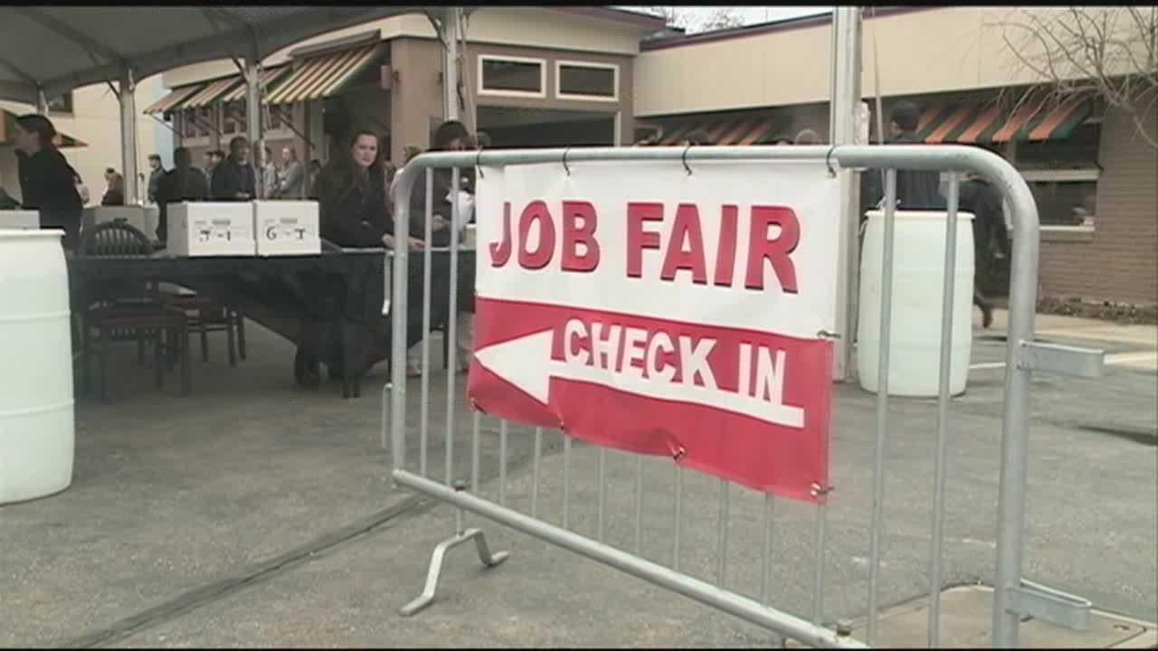 Hundreds crowd Canobie Lake Park for job fair