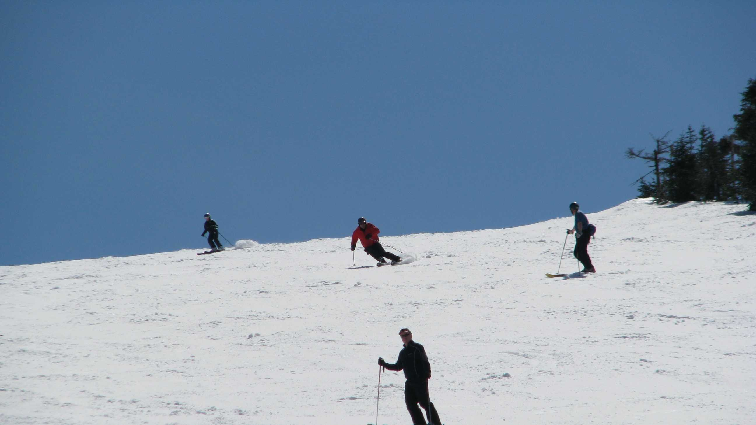 Cannon Mountain late-season skiing