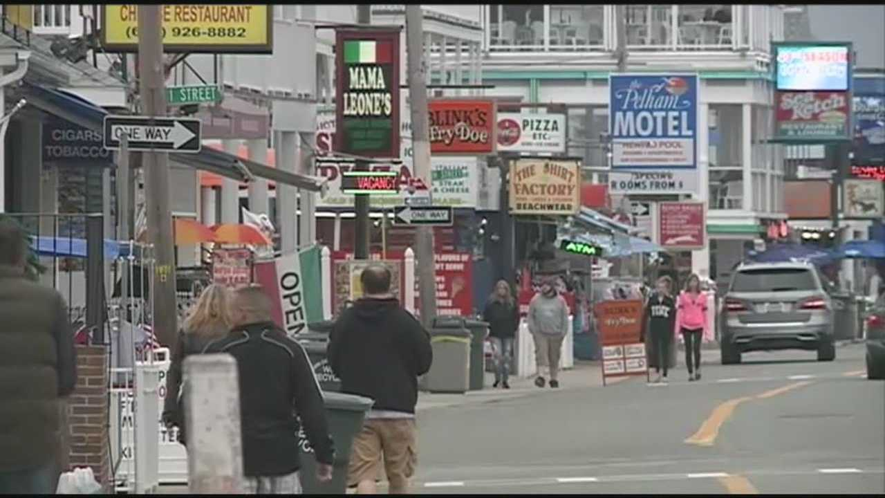 Hundreds of thousands of tourists are expected to crowd New Hampshire this Memorial Day weekend.