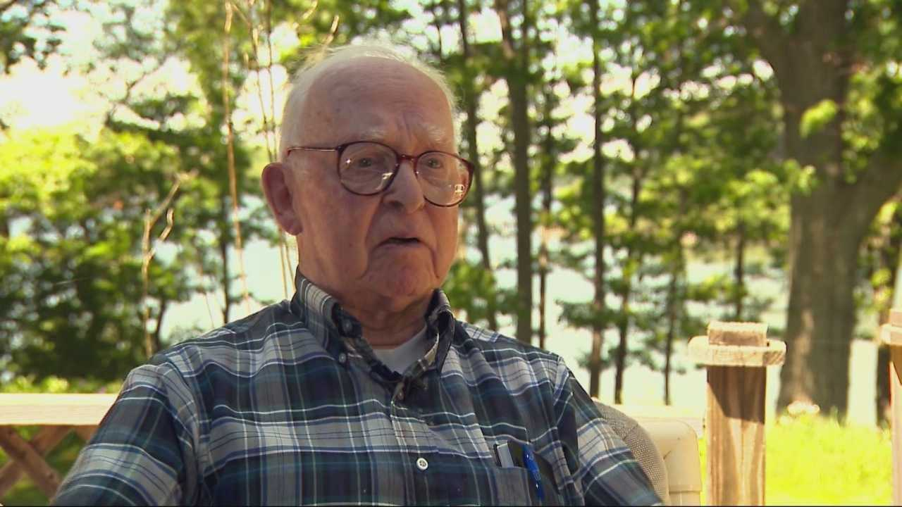 Local D-day veteran returns from Normandy