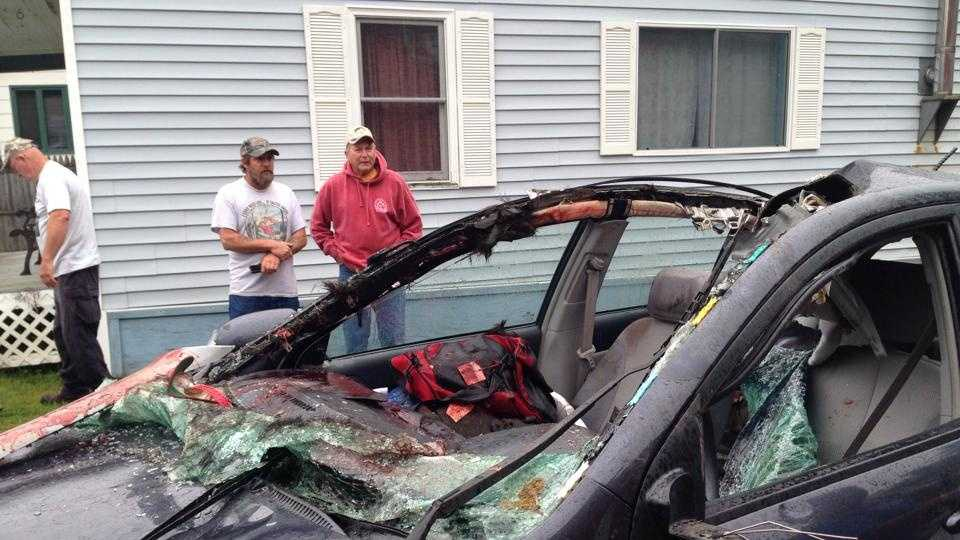 Maine man hospitalized after colliding with moose