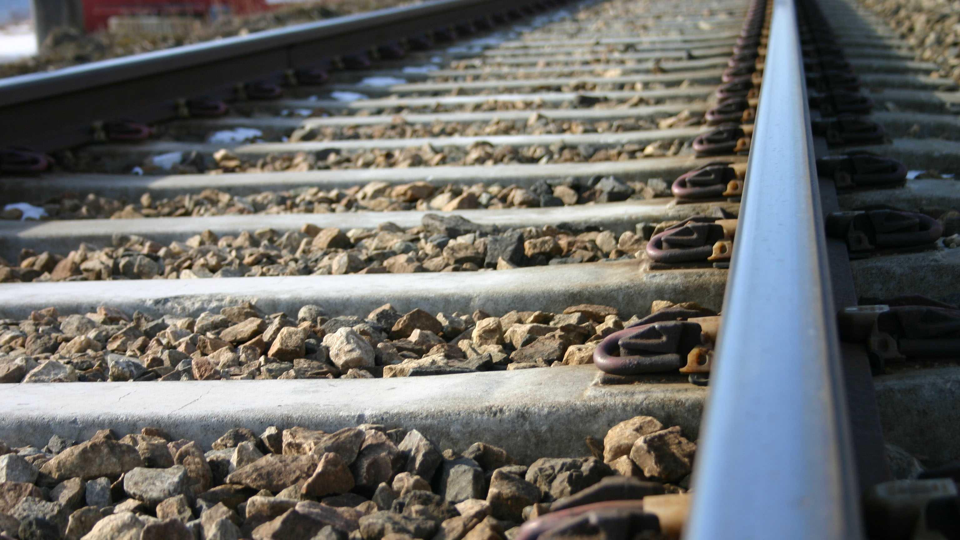 Train tracks generic still