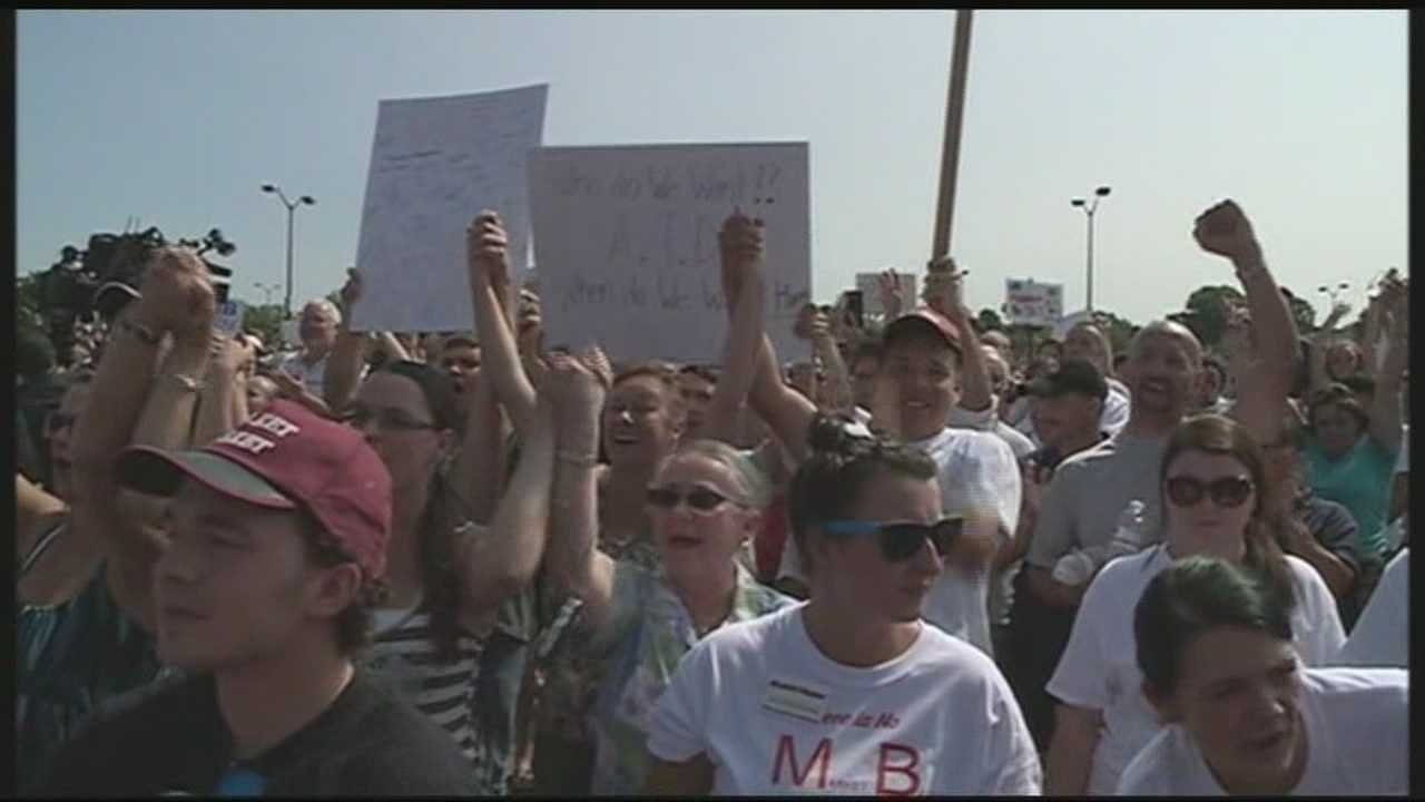 Thousands continue to rally against Market Basket board