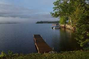 Here, there are nine lovely guest rooms and a dock where you can bring your boat.