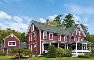 The only bed and breakfast in the Lakes Region which is located directly on a shoreline in on Lake Winnisquam.