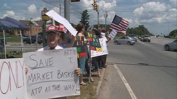 Market Basket customer rally