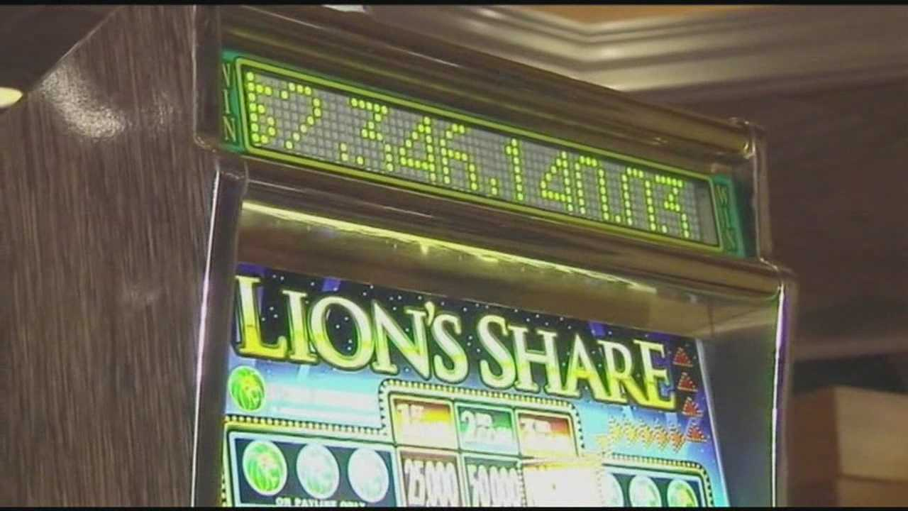 New Hampshire couple wins jackpot in Las Vegas
