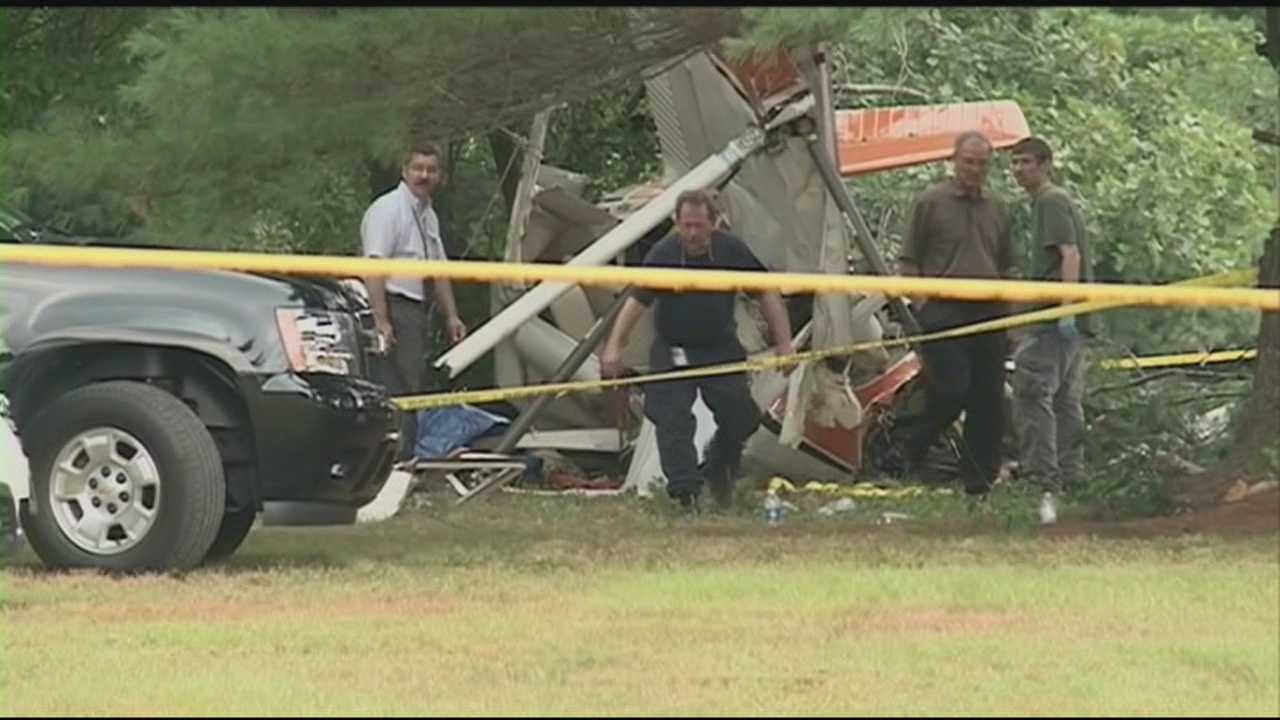 Town mourns plane crash victims