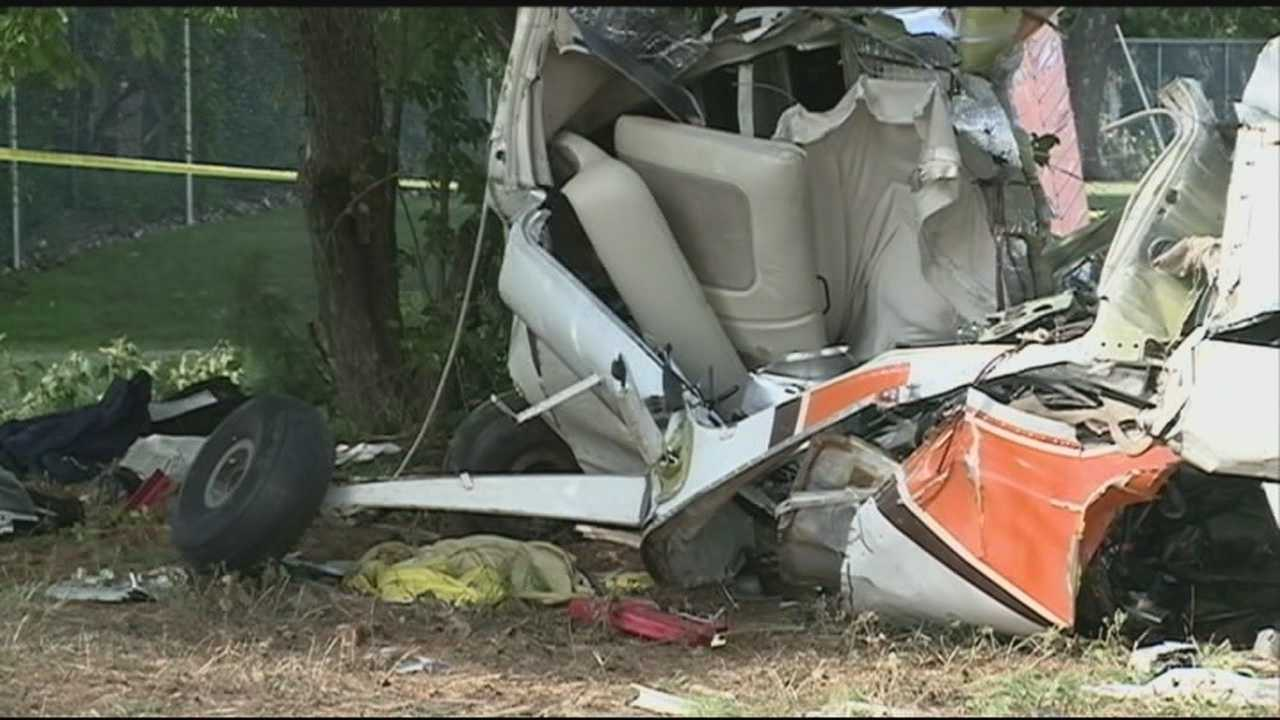 Investigators continue to try to find cause of plane crash