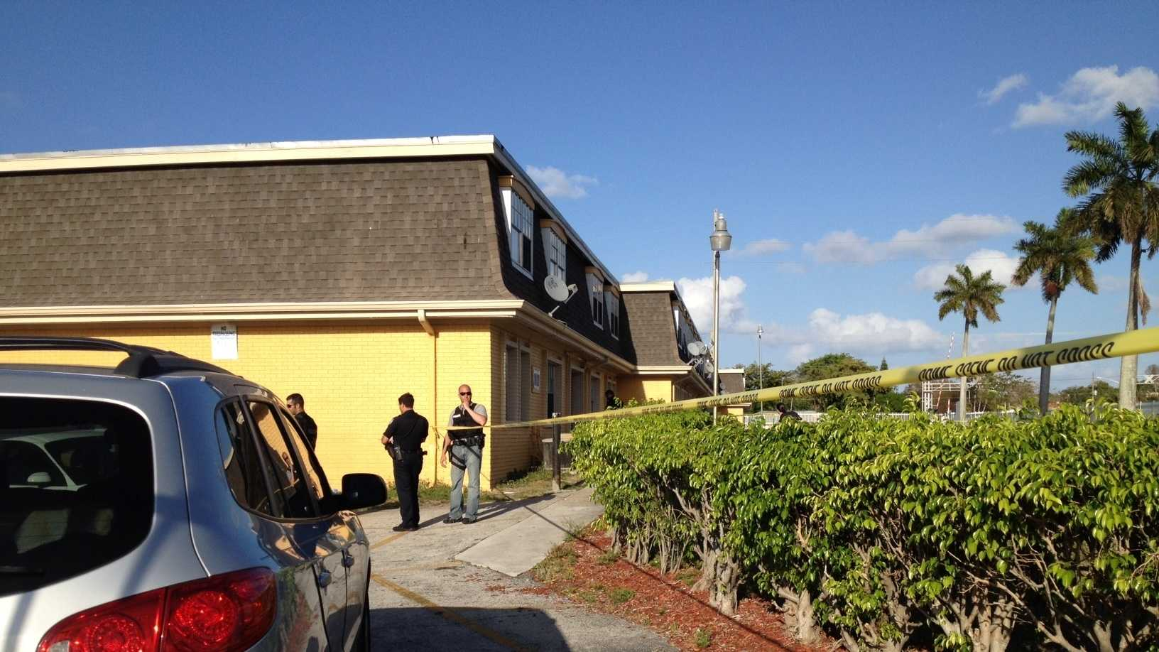 Police are investigating a shooting at the Sunset Place Apartments. (Terri Parker/WPBF)