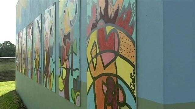 In this week s Class Act, Sandra Shaw spotlights art in the garden at Lake Worth Middle School.