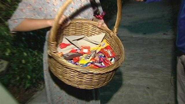 Generic Halloween candy basket