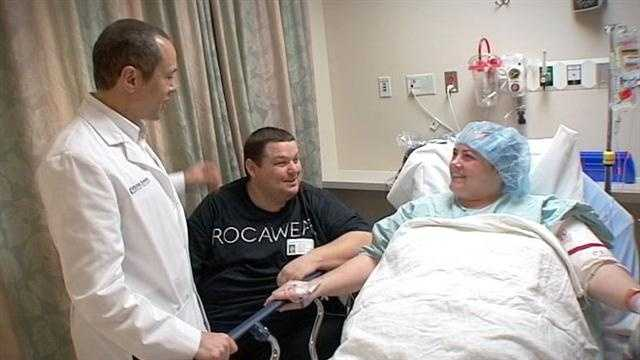 Image Weight struggles prompt couple to get surgery
