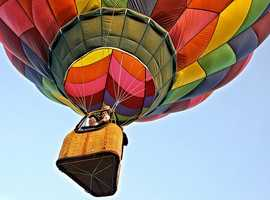 Take a ride in a hot-air balloon. (Photo: dfbphotos/flickr)