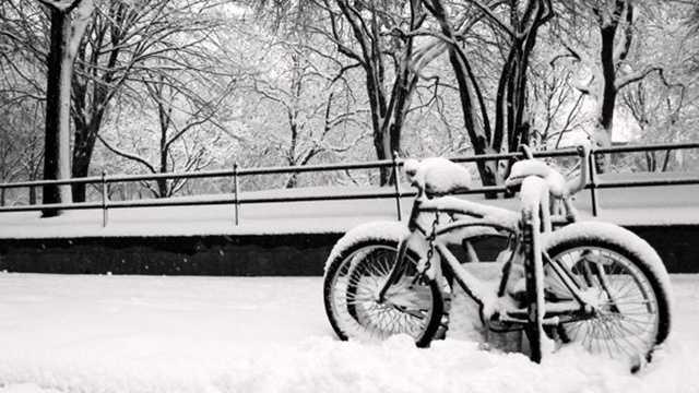 020813 Generic Bike In Snow