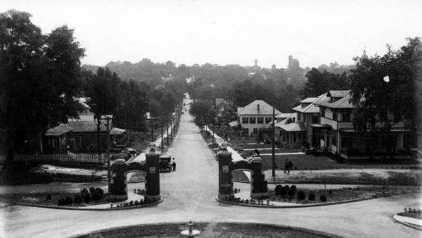 Established in Tallahassee in 1851, Florida State University is located on the oldest continuous site of higher education in the state of Florida.  This picture was taken near the campus in the 1920s.