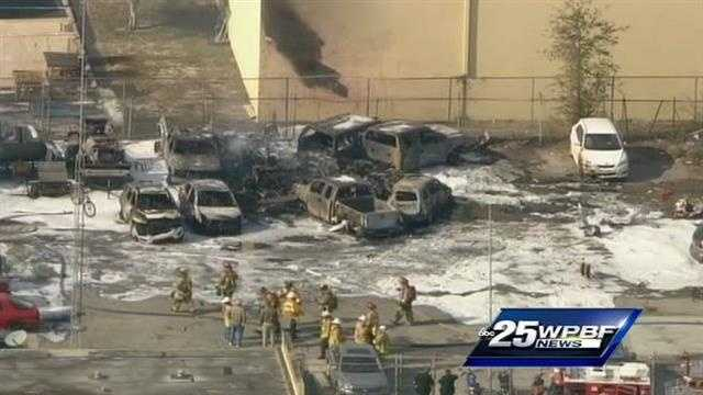 Plane crash in Fort Lauderdale vehicles charred