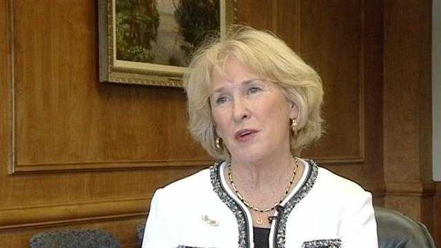 Florida Atlantic University President Mary Jane Saunders turned in her resignation letter on Wednesday.