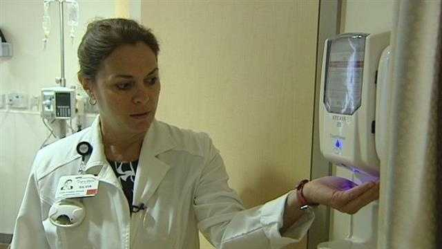 img-Pilot program reminds hospital employees to sanitize