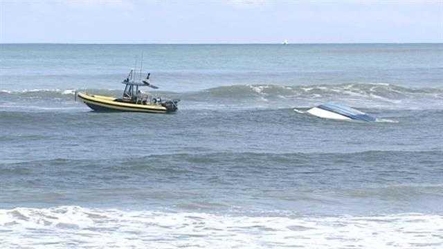 Boat capsized at Dubois Park