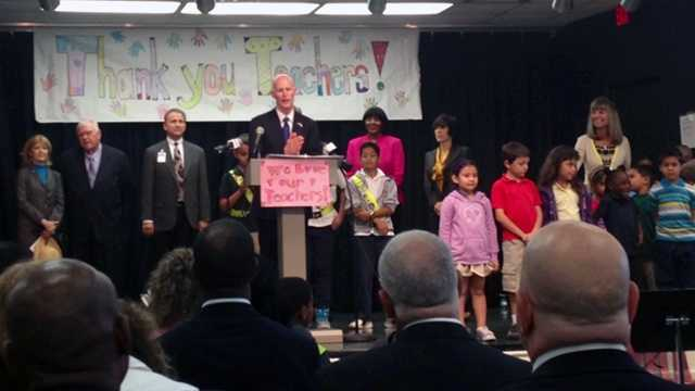 Gov. Rick Scott visits Wynnebrook Elementary School in West Palm Beach.