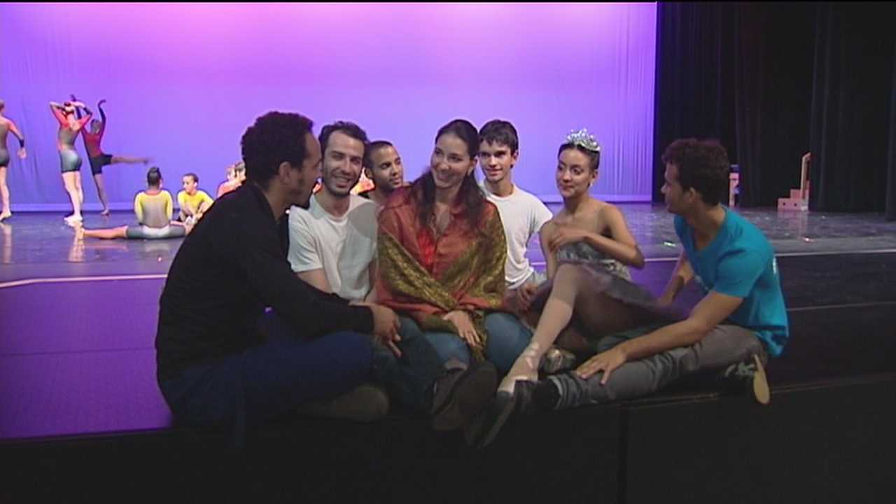 Cuban dancers seek asylum in Fla.