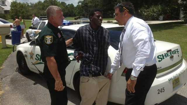 Burglary suspect arrested in Palm City