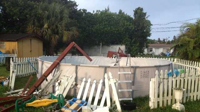 Storm hits West Palm Beach neighborhood