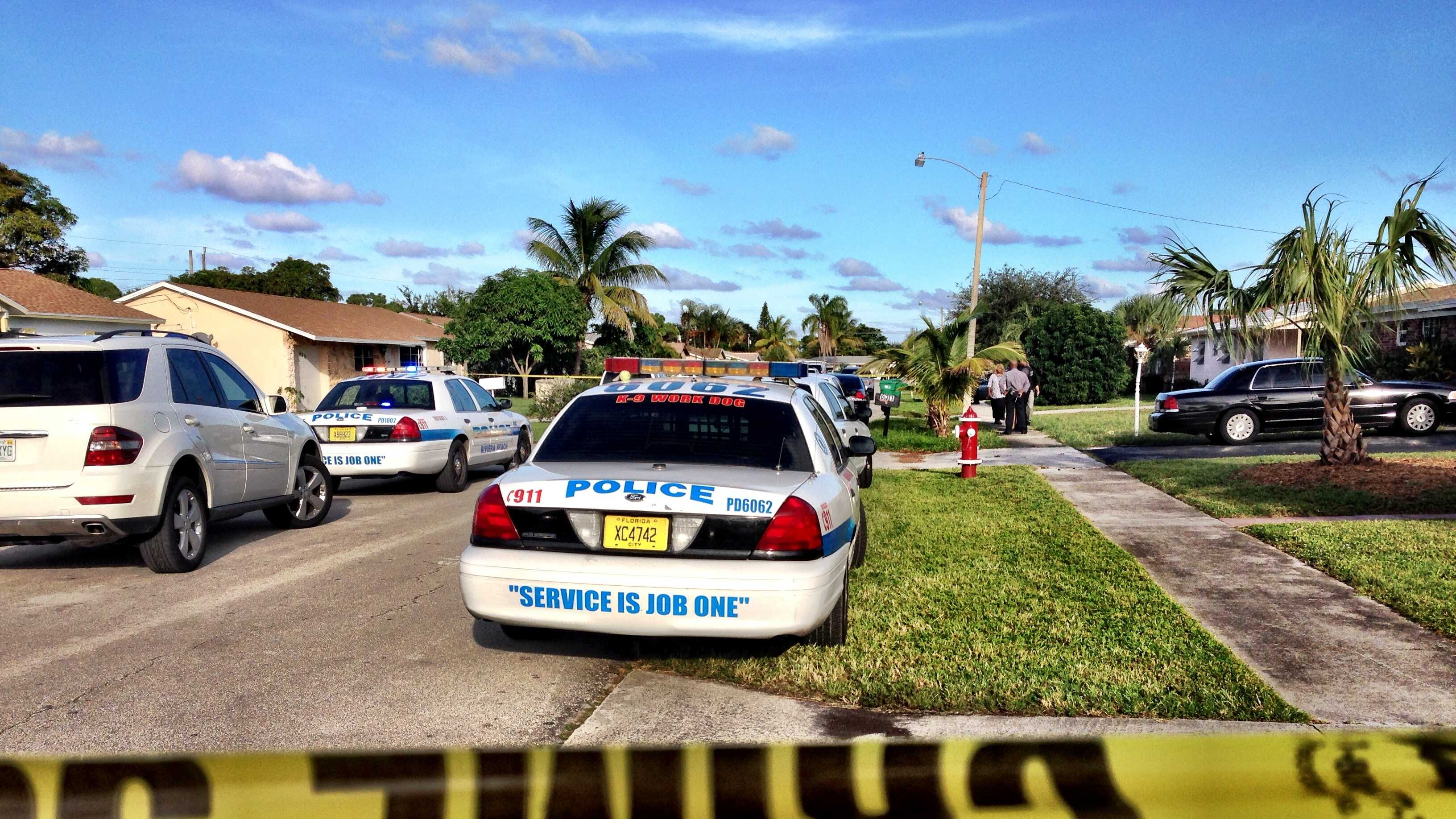 Police are trying to figure out who shot and killed a woman in Riviera Beach on Wednesday afternoon.