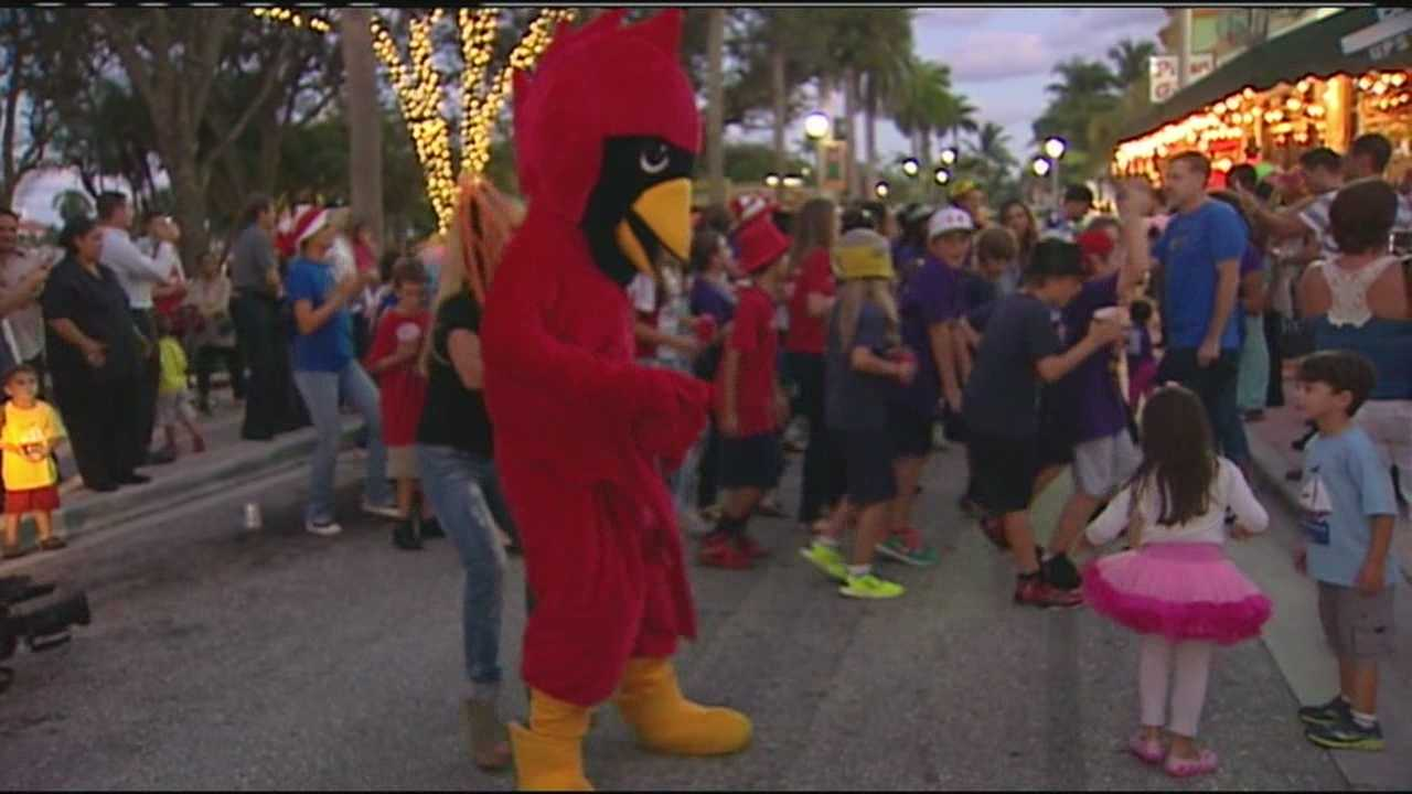 Flash mob takes over Clematis Street for good cause