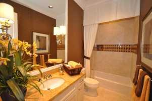 The en suite bathroom.