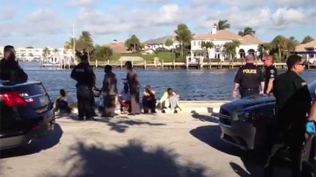 041514 Migrants Ashore