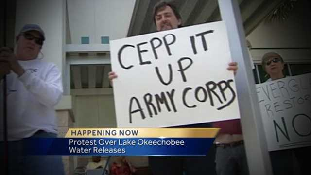 Image Protesters urge Army Corps of Engineers to let the water flow