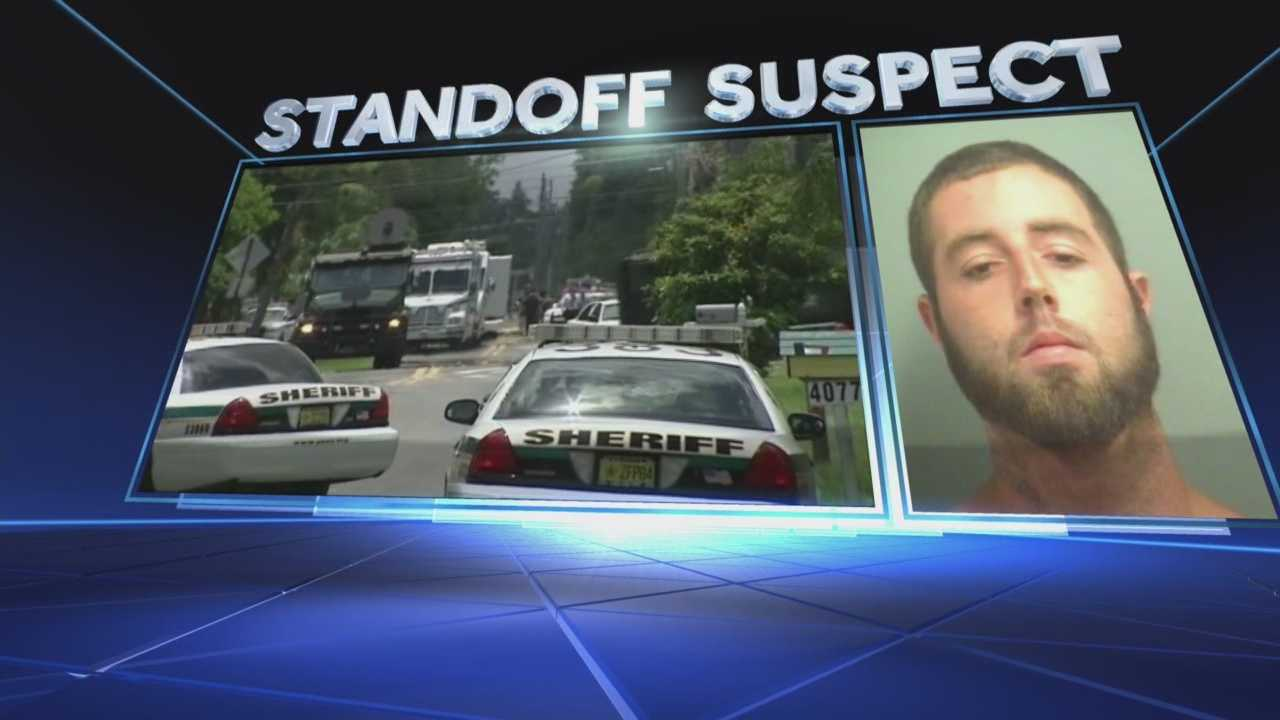 Sister of SWAT standoff suspect speaks only to WPBF 25 News
