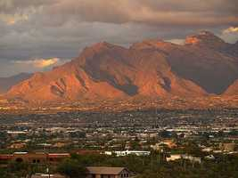 20. Tucson, Ariz. -- This city is known for its clean environment, and women tend to eat healthy here.
