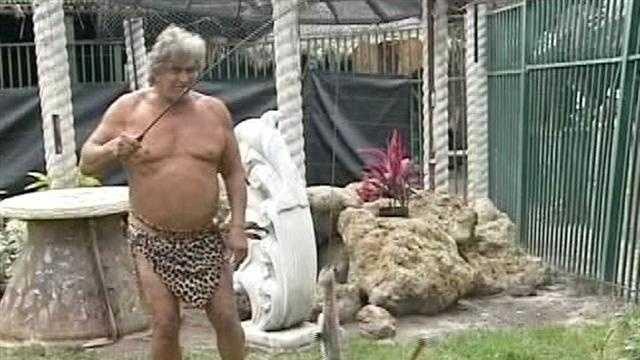Steve Sipek in Tarzan outfit