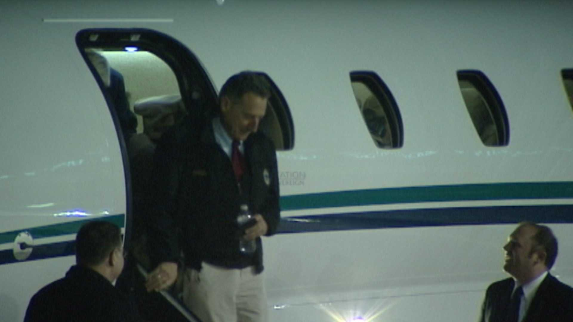 121212 Shumlin, mayors return from F-35 trip - img