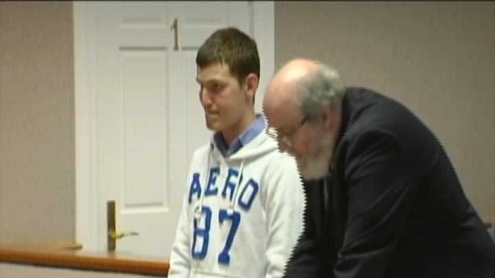 Vt. man arraigned on charges of luring, sexting