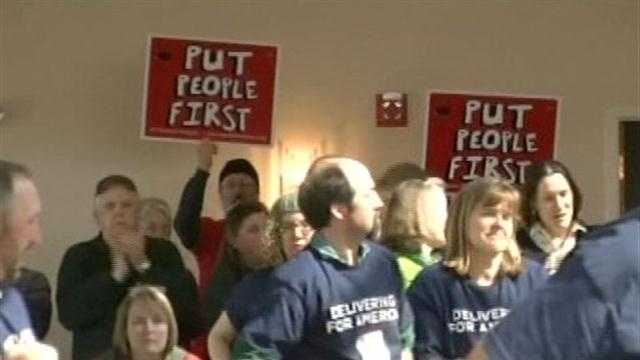 03-17-13 Mail carriers, congressional delegation, rally for Saturday service - img