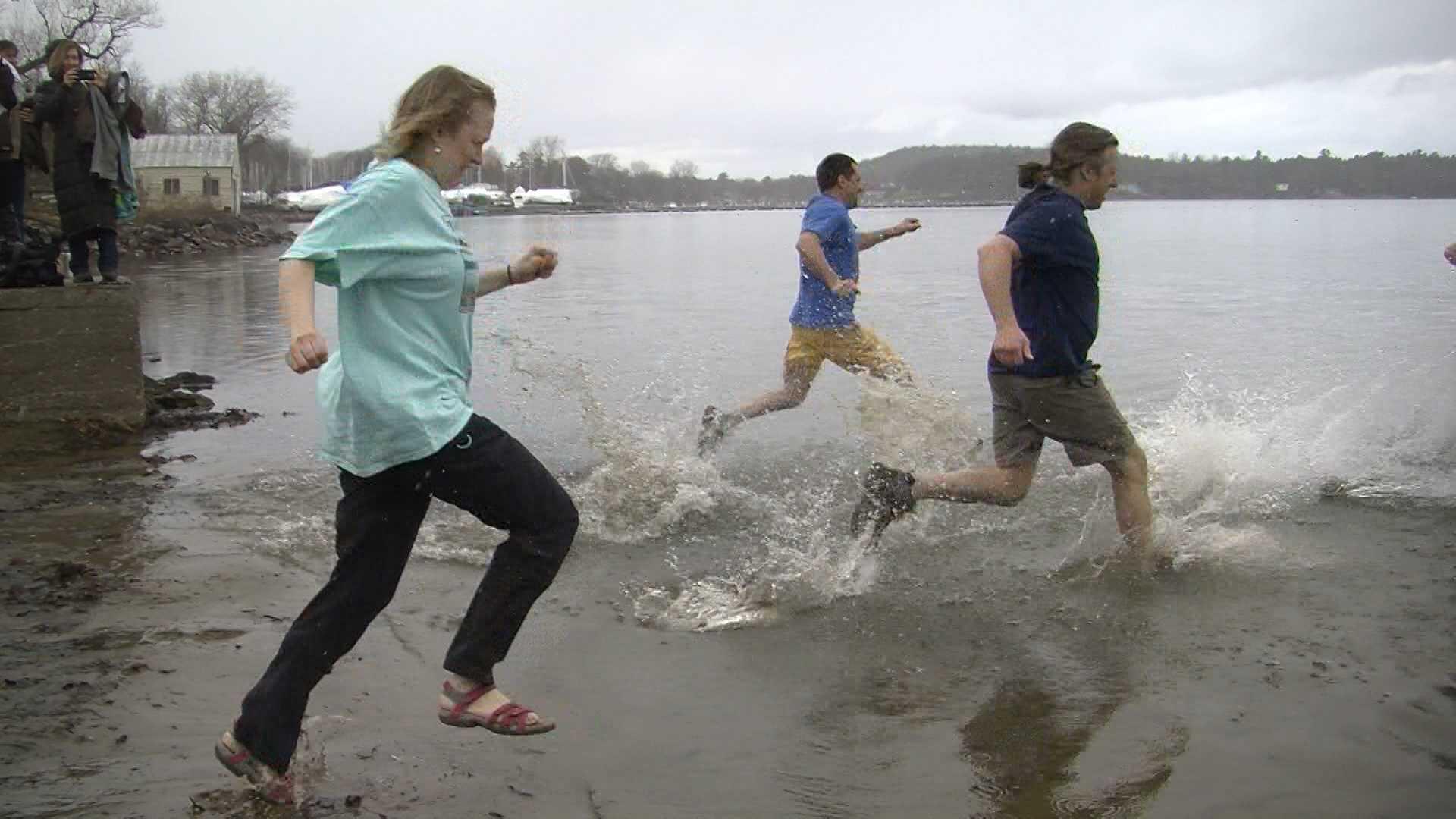 04-14-13 Making a splash to raise awareness - img