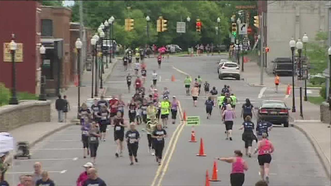 06-09-13 Biggest Loser Runwalk- img