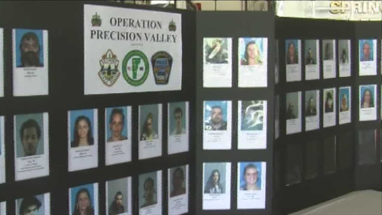 100 officers move in on dealers