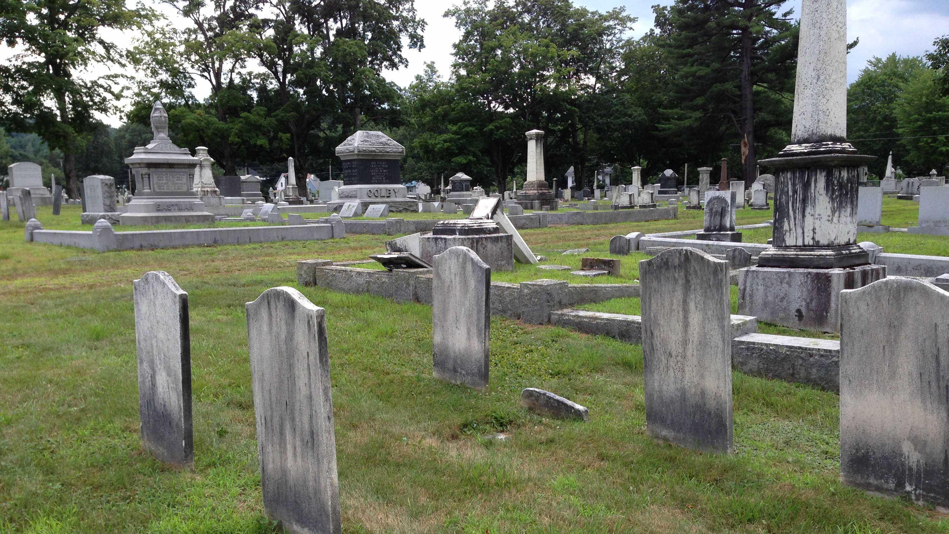 headstone pic 3.jpg
