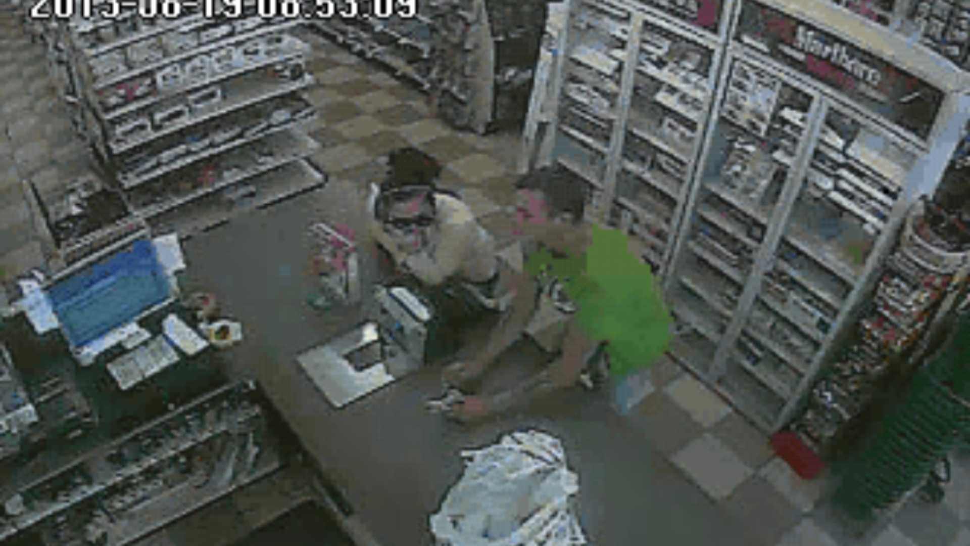 08-19-13 Police: Video captures thieves in act - IMG