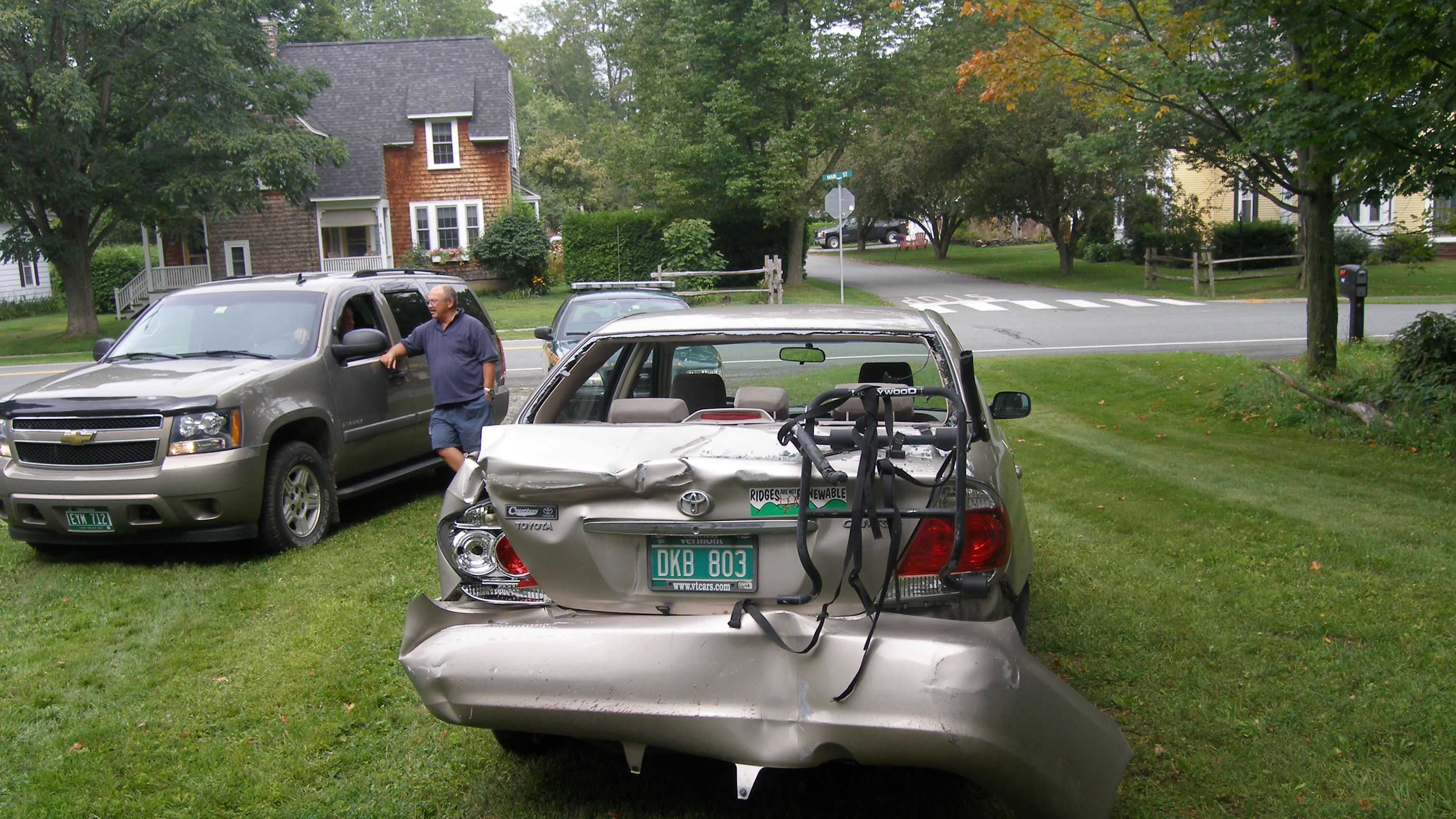 08-27 Driver ticketed in car-into-house crash - car img